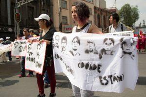 Familias de desaparecidos se reúnen, sin resultados, con Fiscalía Especializada
