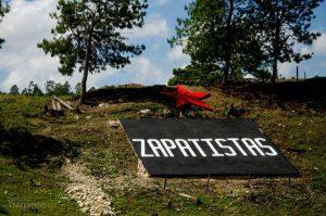 """Zapatistas festejan 15 años del nacimiento de los """"caracoles"""""""