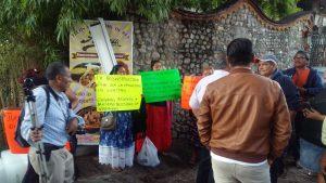Reclaman habitantes de Juchitán a Murat su abandono en la reconstrucción de viviendas en el Istmo