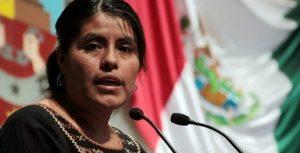 Eufrosina Cruz pide a empresarios y gobierno no regalar cosas a las comunidades sino generar oportunidades