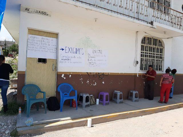 Se suman a protestas del IEEA trabajadores de la Mixteca