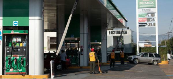 AMLO confirma que escenario internacional no obligará a subir precios de combustibles en México