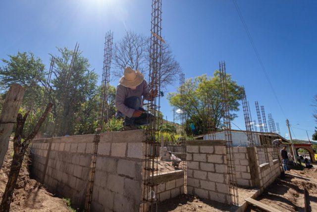 Avanza Ahuehuetitlán de González con la construcción de Comedor Comunitario