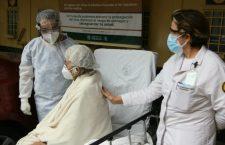 Mexicana de 65 años vence al COVID-19 con protocolo experimental de plasma