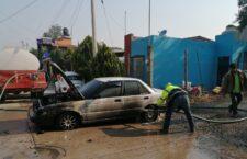 Se incendia automóvil en Tlaxiaco
