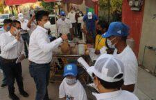 Luis de León recorre colonias para identificar necesidades apremiantes de huajuapeños
